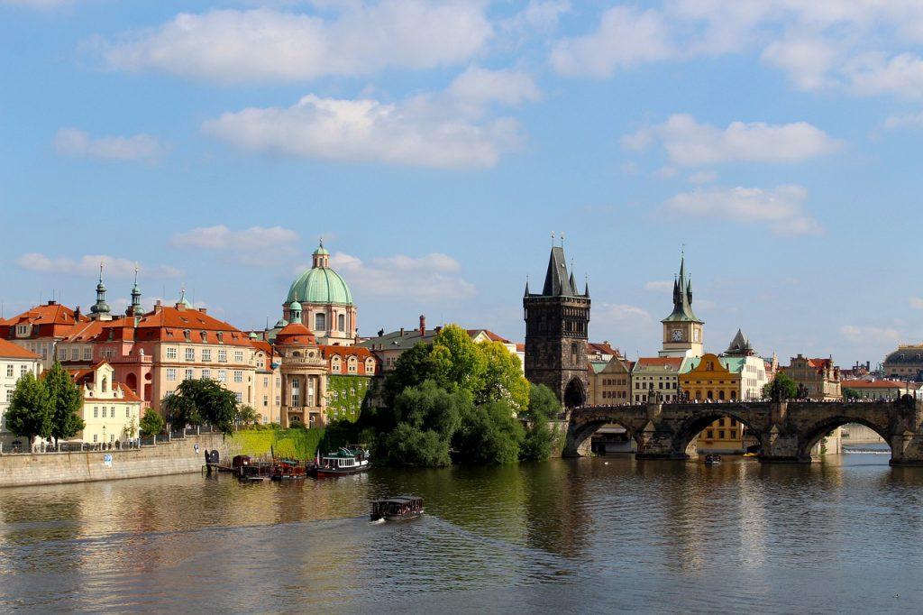 Prag - die goldene Stadt. Hier könnte bald Ihr Unternehmenssitz sein, wenn Sie sich für eine Firmengründung in Tschechien entscheiden.