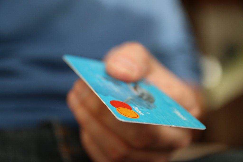 Eine Kreditkarte gibt es zu Ihrem Konto dazu.